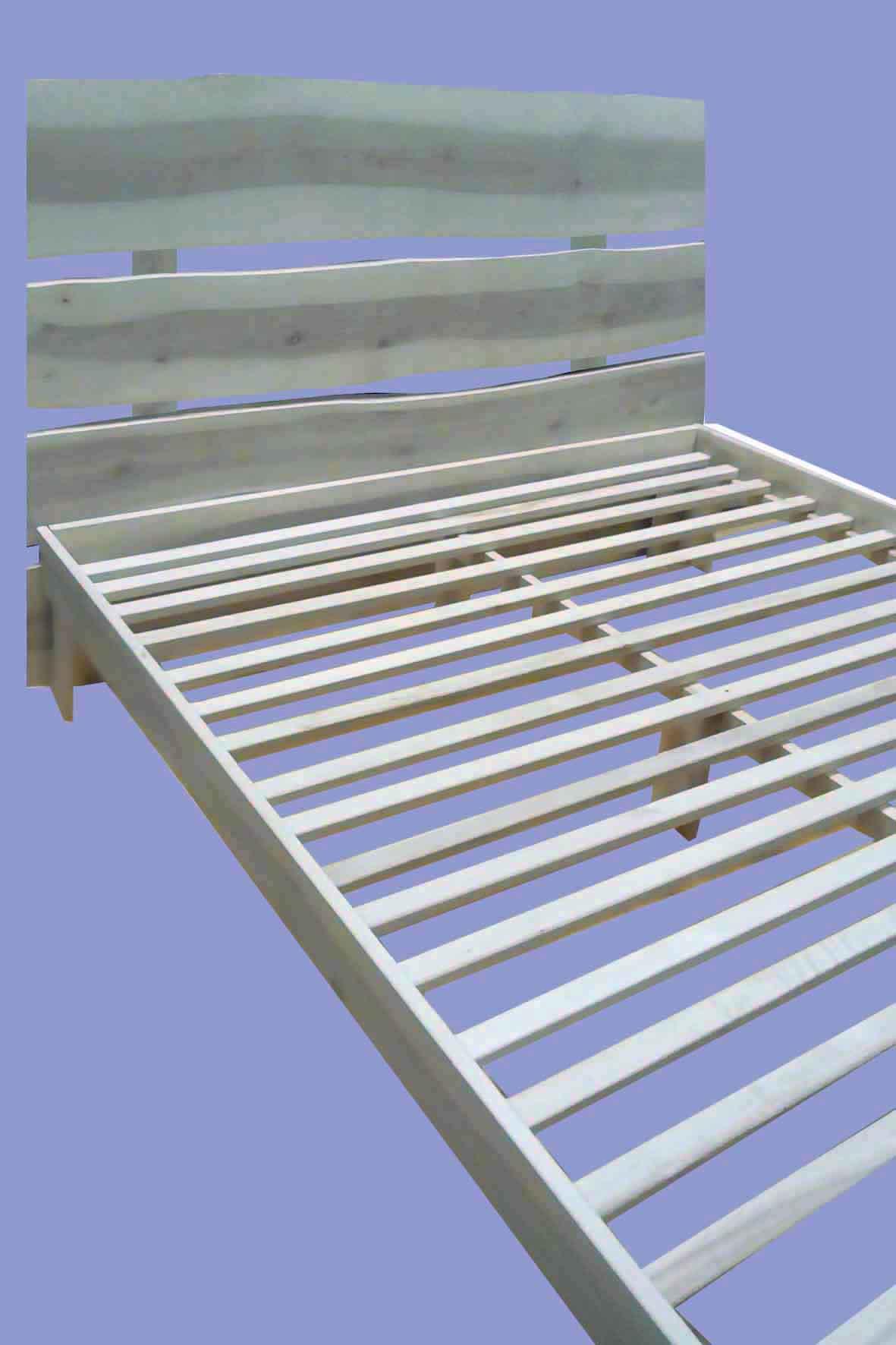 Кровать в стиле ЭКО
