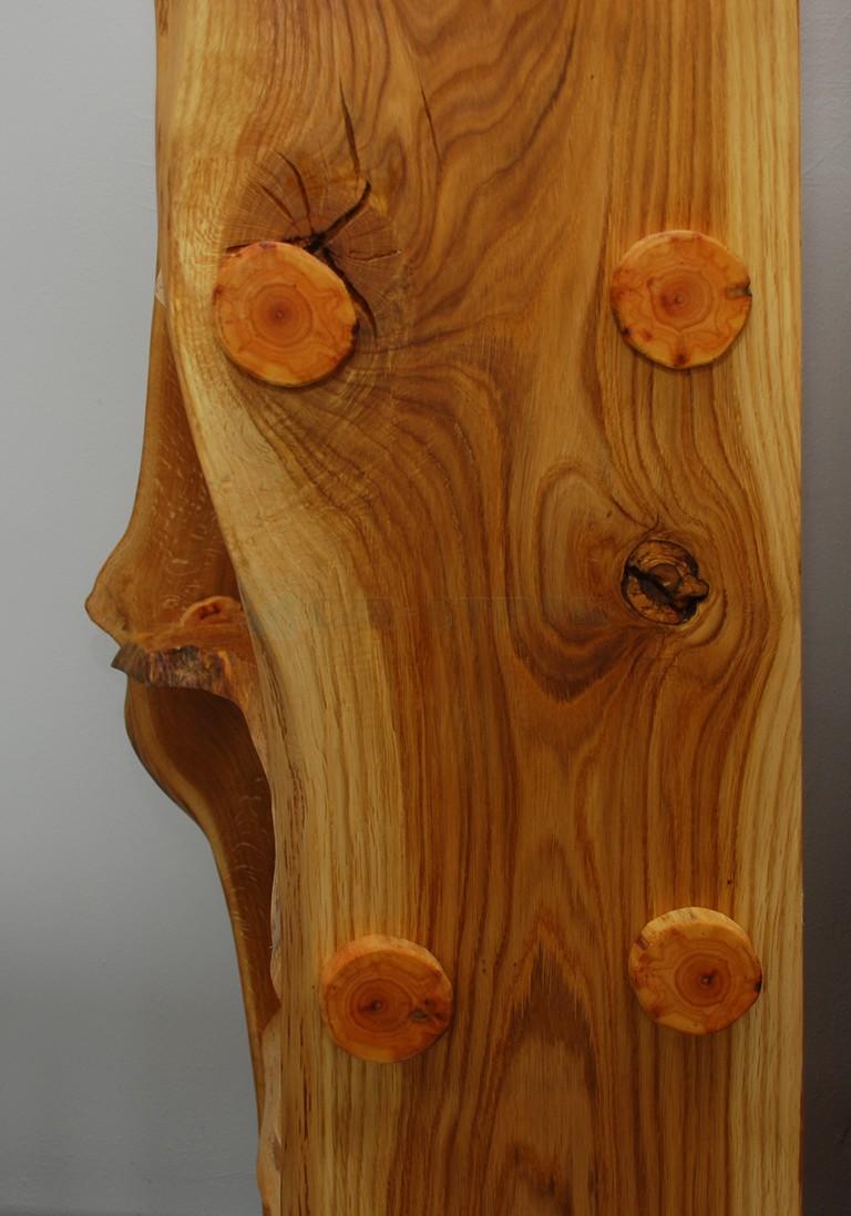 Этажерка в стиле кантри из слэба древесины