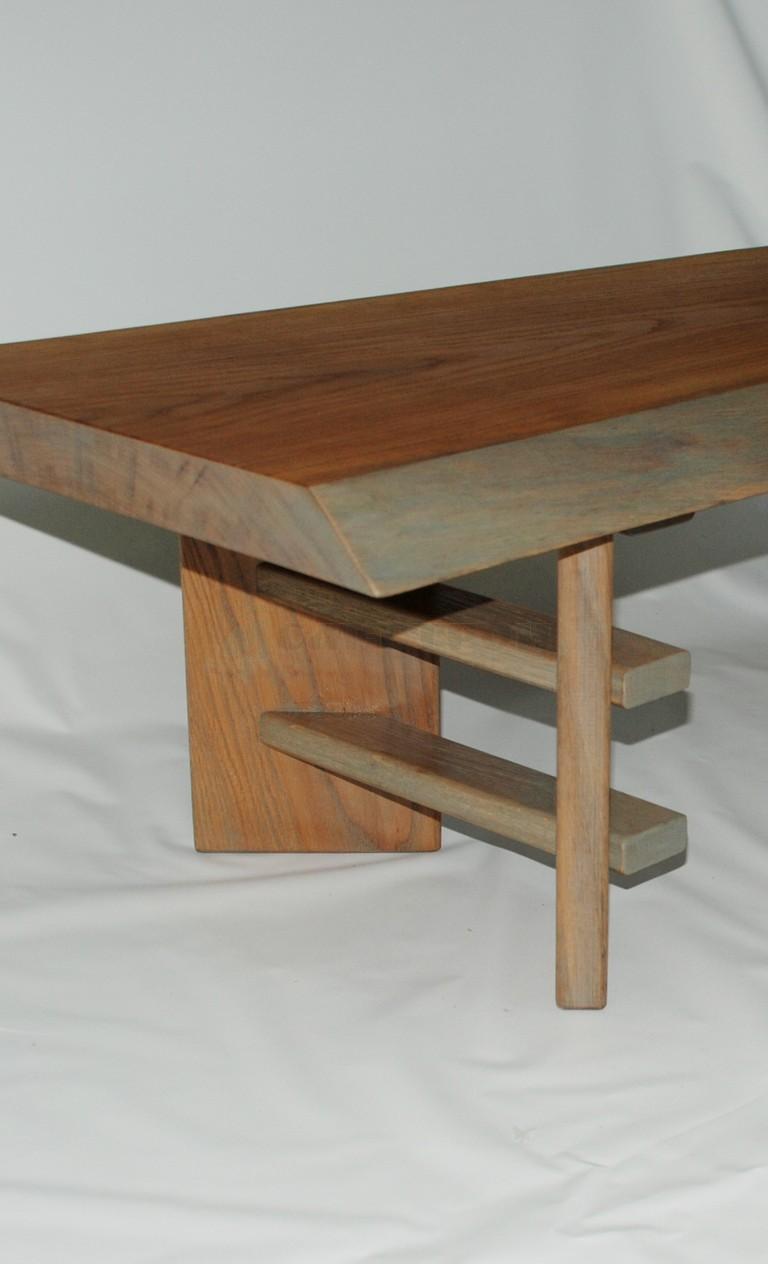Чайный столик в японском стиле из массива дуба