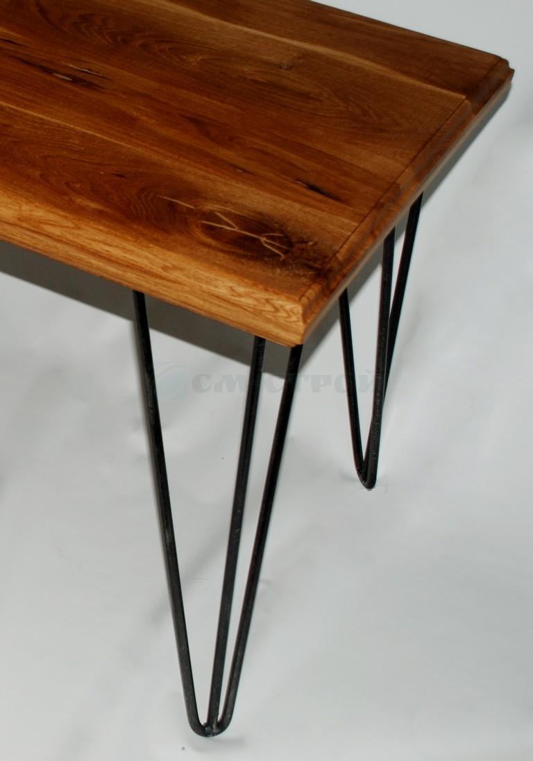 Кофейный столик из клеёного массива дуба с металлическими ножками