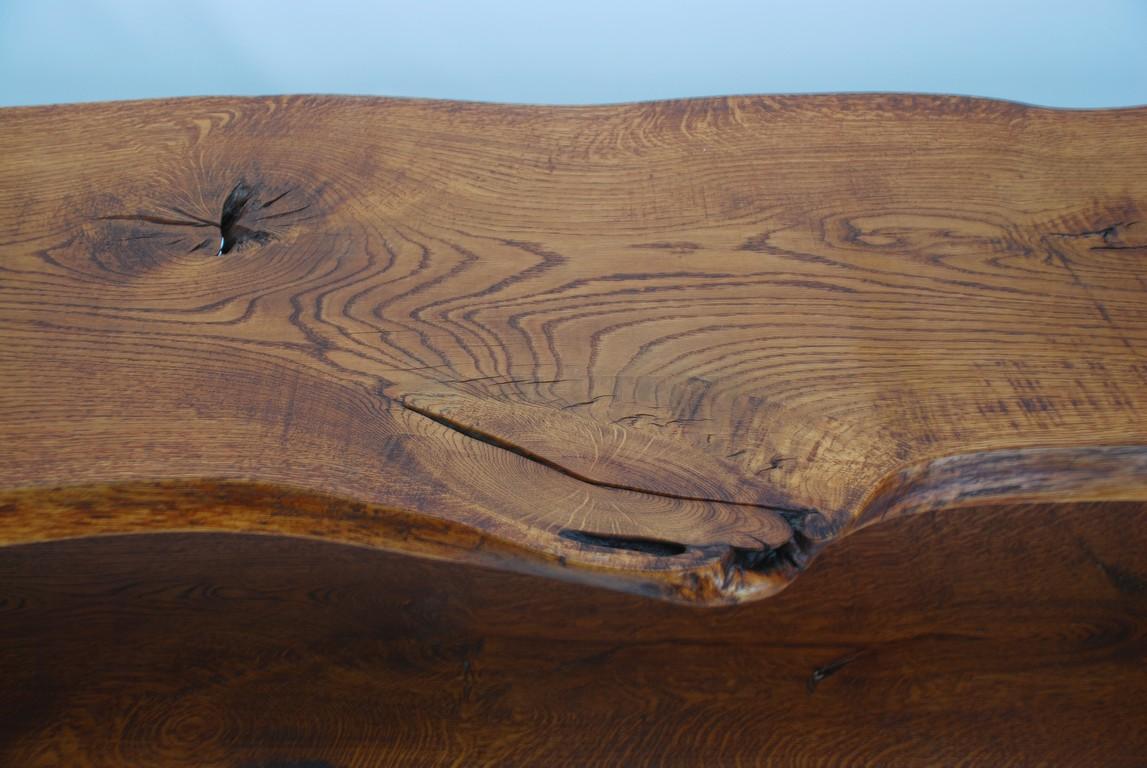 Консоль под ТВ из древесины дуба