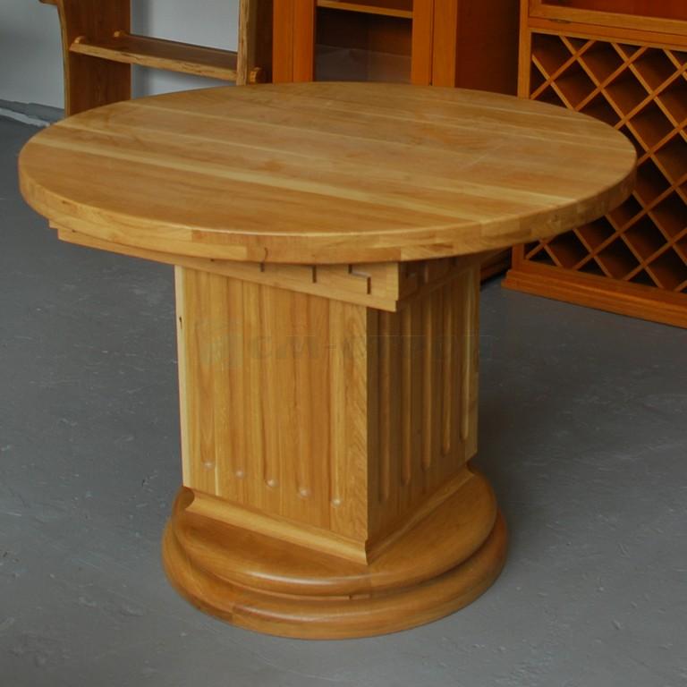 Круглый стол из массива дуба