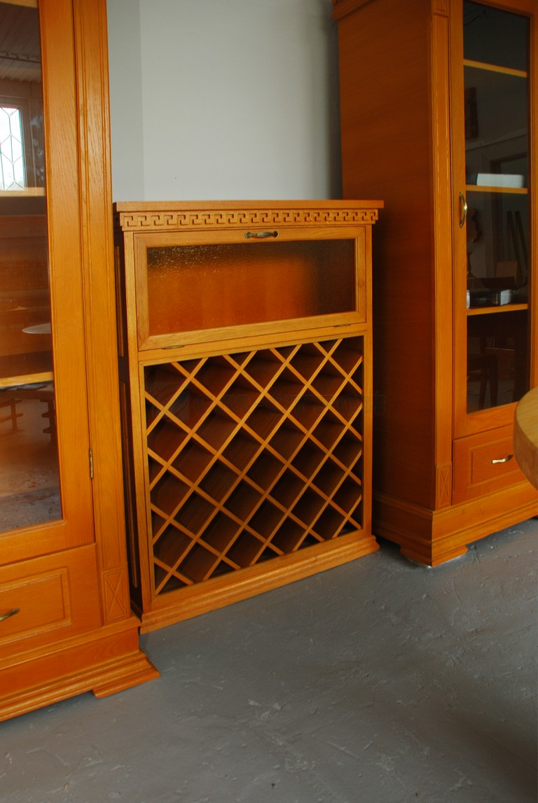 Шкаф для хранения винных бутылок
