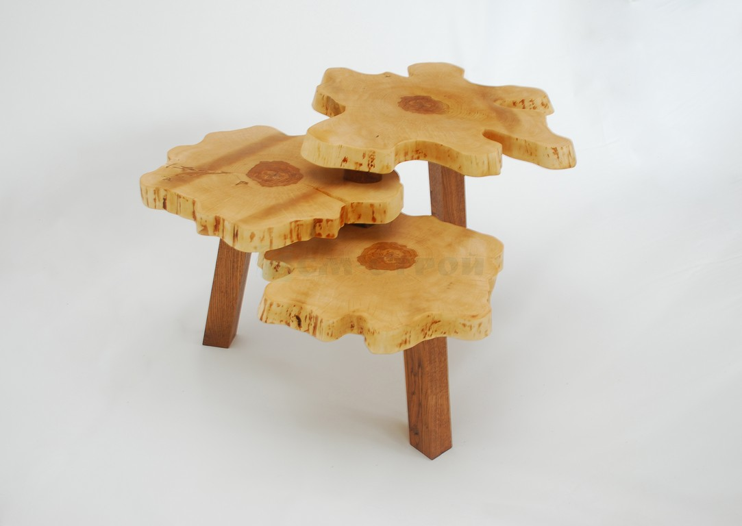 Столик из поперечных спилов массива берёзы