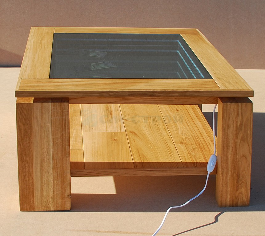 Журнальный столик с подсветкой из массива дуба