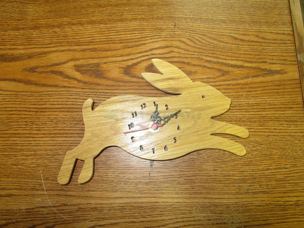 Часы Заяц