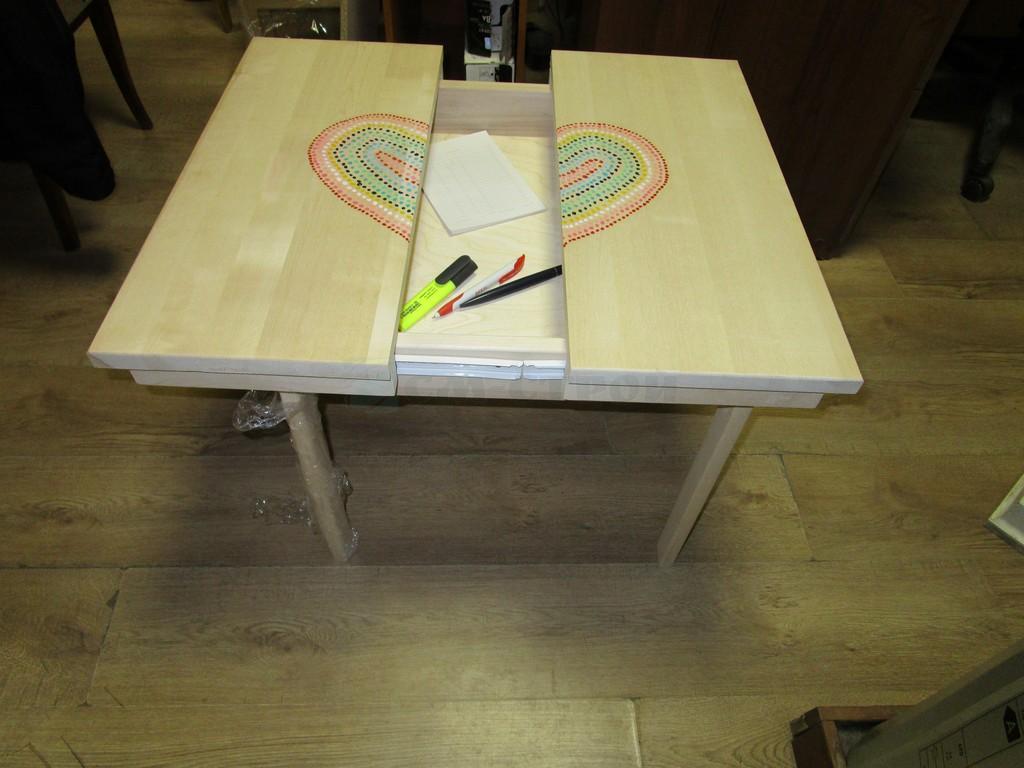 Детский стол Спрячь игрушки